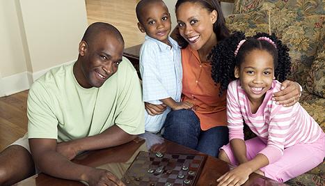 467x267-familyplayingcheckers-ts